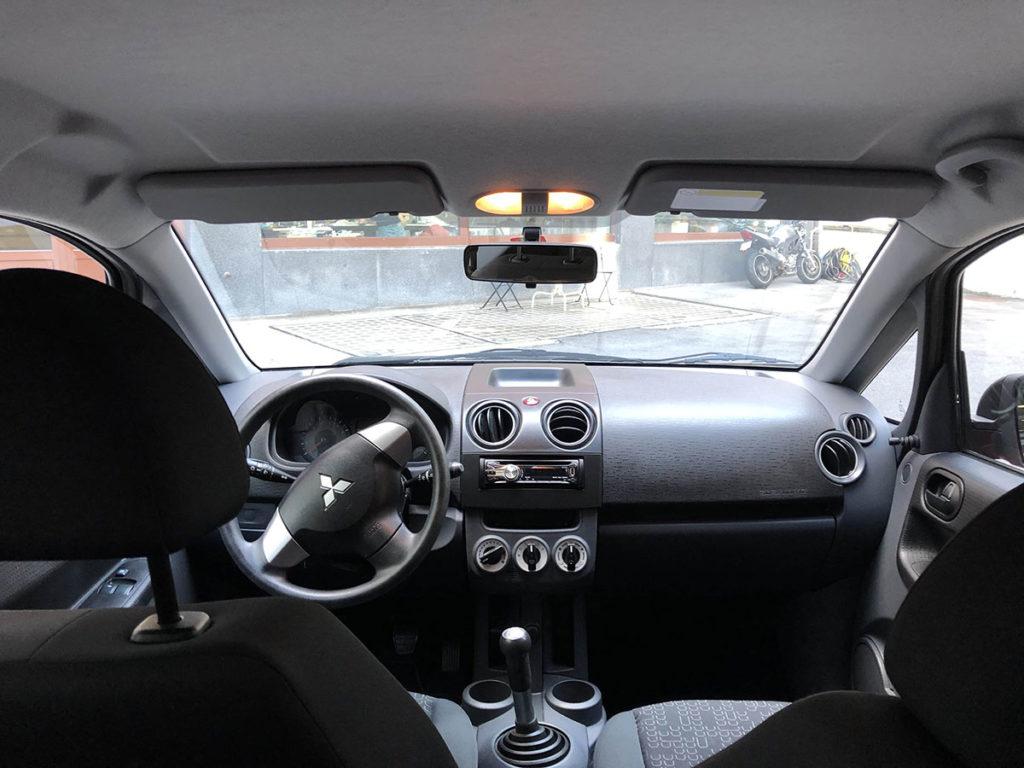 Mitsubishi Colt Innenausstattung Autovermietung Luzern